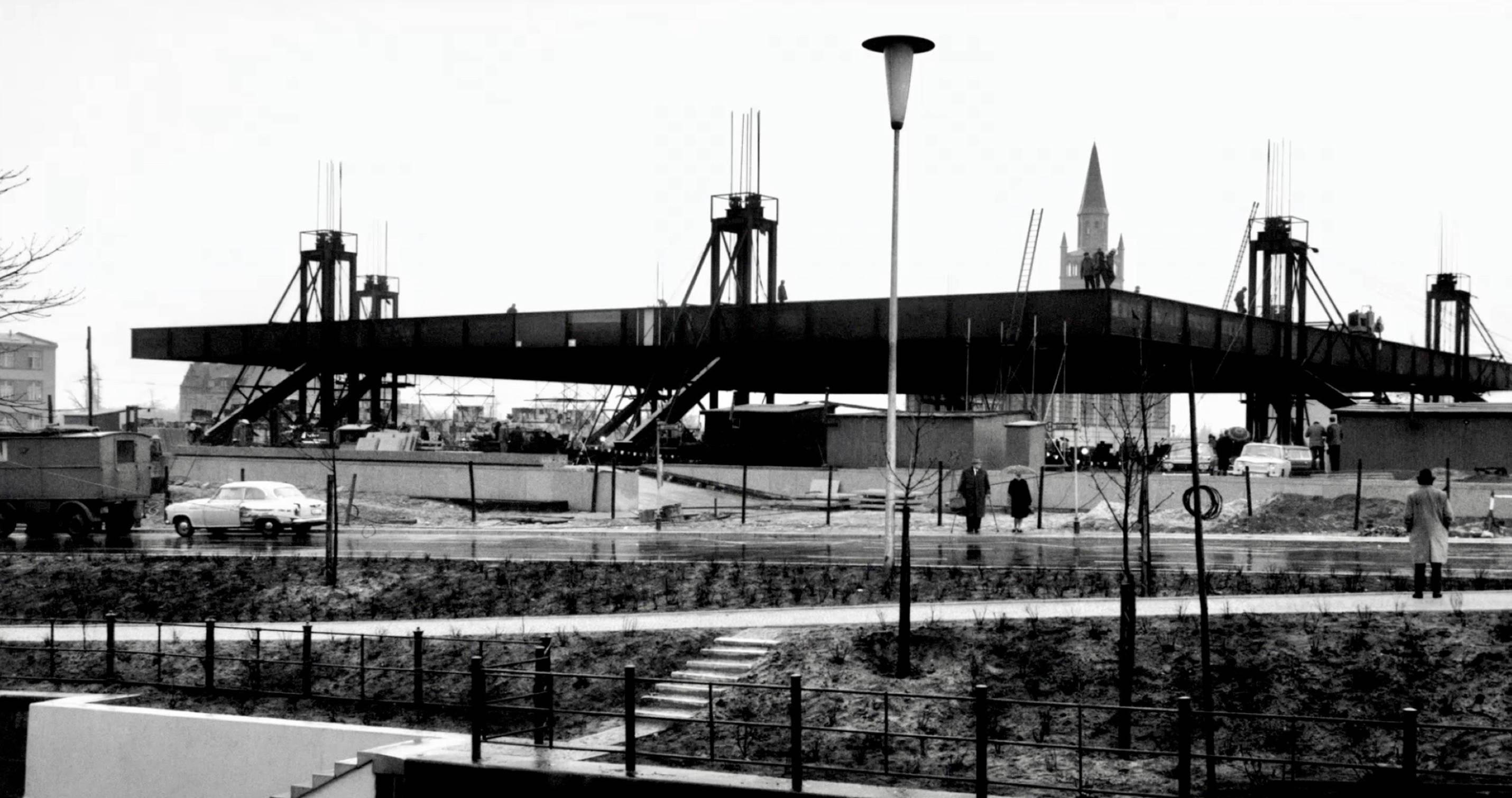 Bild aus der Entstehungsphase der neuen Nationalgalerie aus dem gleichnamigen Film von Ina Weisse - Kamera - Judith Kaufmann