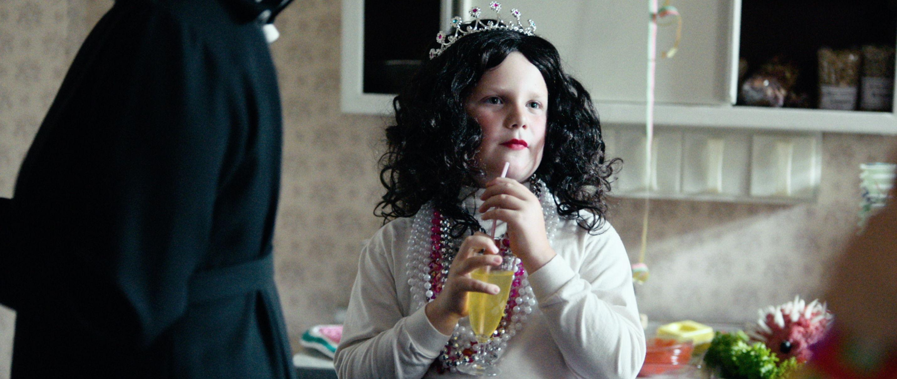 Der Junge muss an die frische Luft - all about me - Hape als Prinzessin an Karneval - Regie Caroline Link - Kamera Judith Kaufmann