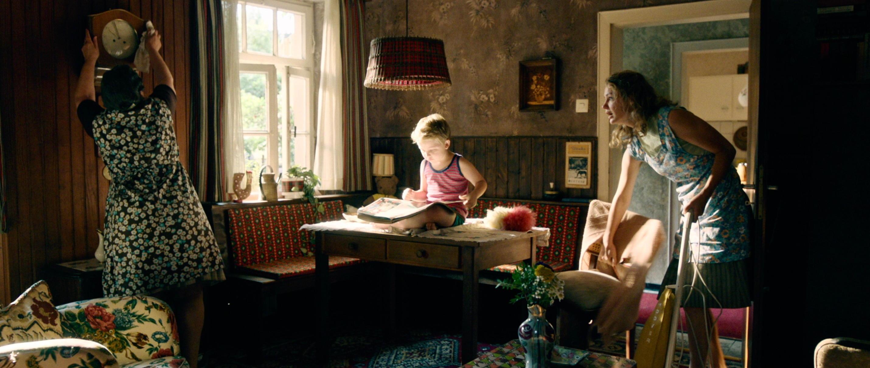 Der Junge muss an die frische Luft - all about me - Hape mit Mama und Oma - Regie Caroline Link - Kamera Judith Kaufmann