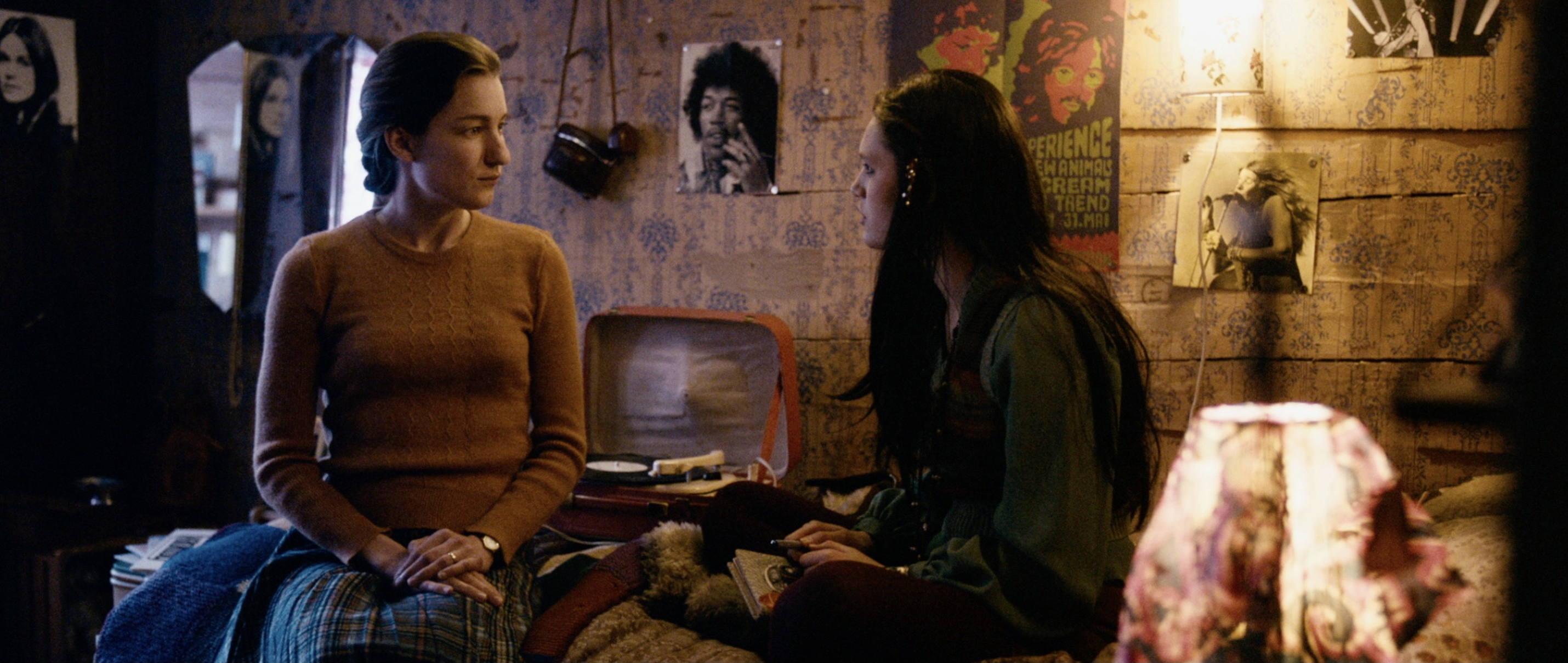 Die göttliche Ordnung - The Divine Order - Nora und Hanna - Regie Petra Volpe - Kamera Judith Kaufmann