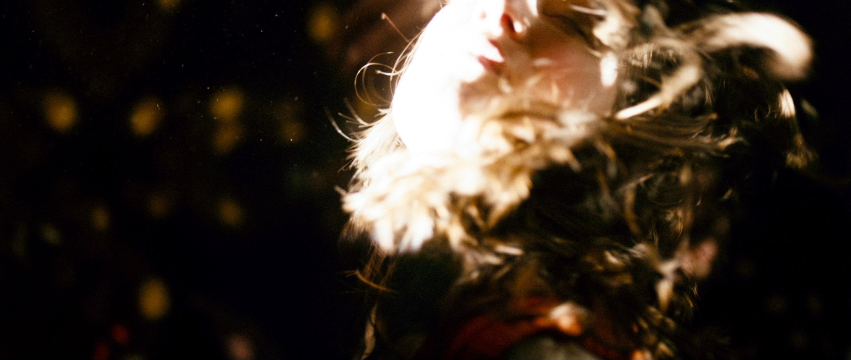 Die göttliche Ordnung - The Divine Order - Szenenbild Tanz - Regie Petra Volpe - Kamera Judith Kaufmann