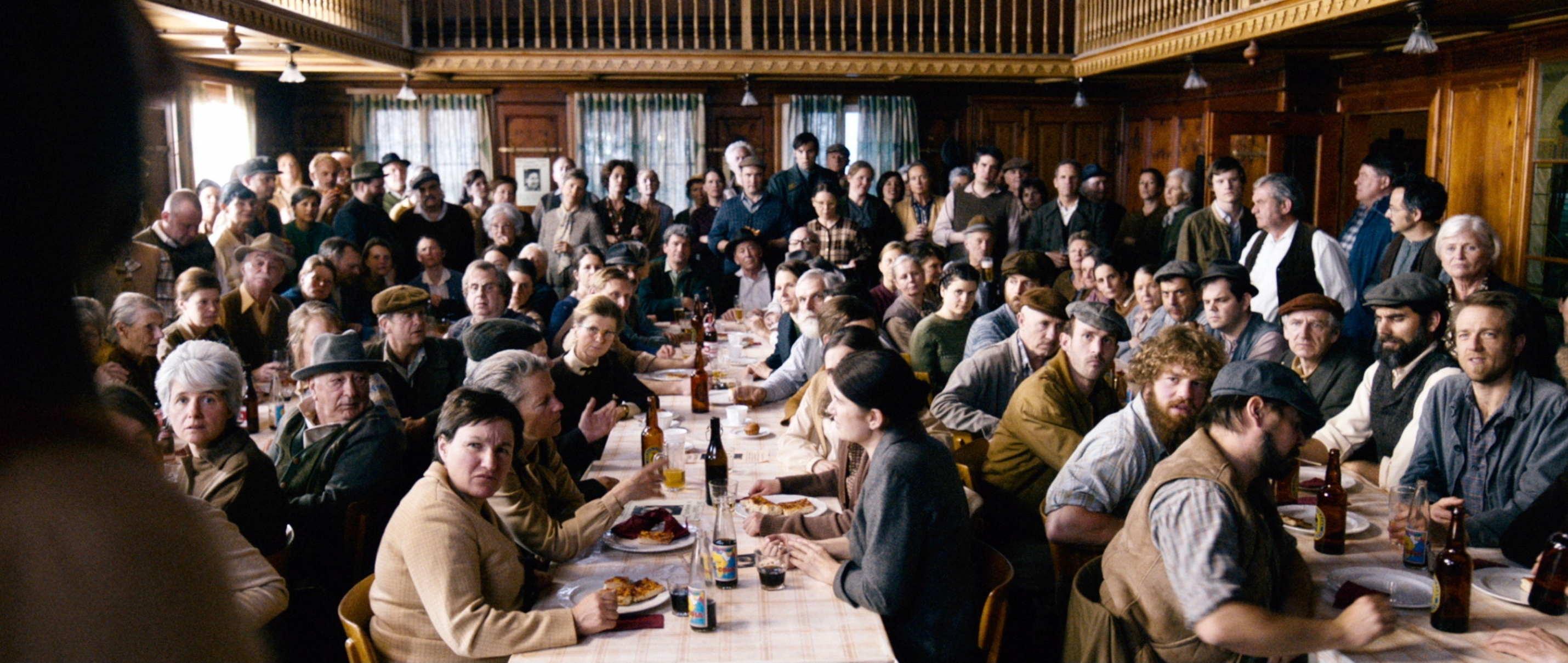 Die göttliche Ordnung - The Divine Order - Versammlung der Bürger - Regie Petra Volpe - Kamera Judith Kaufmann