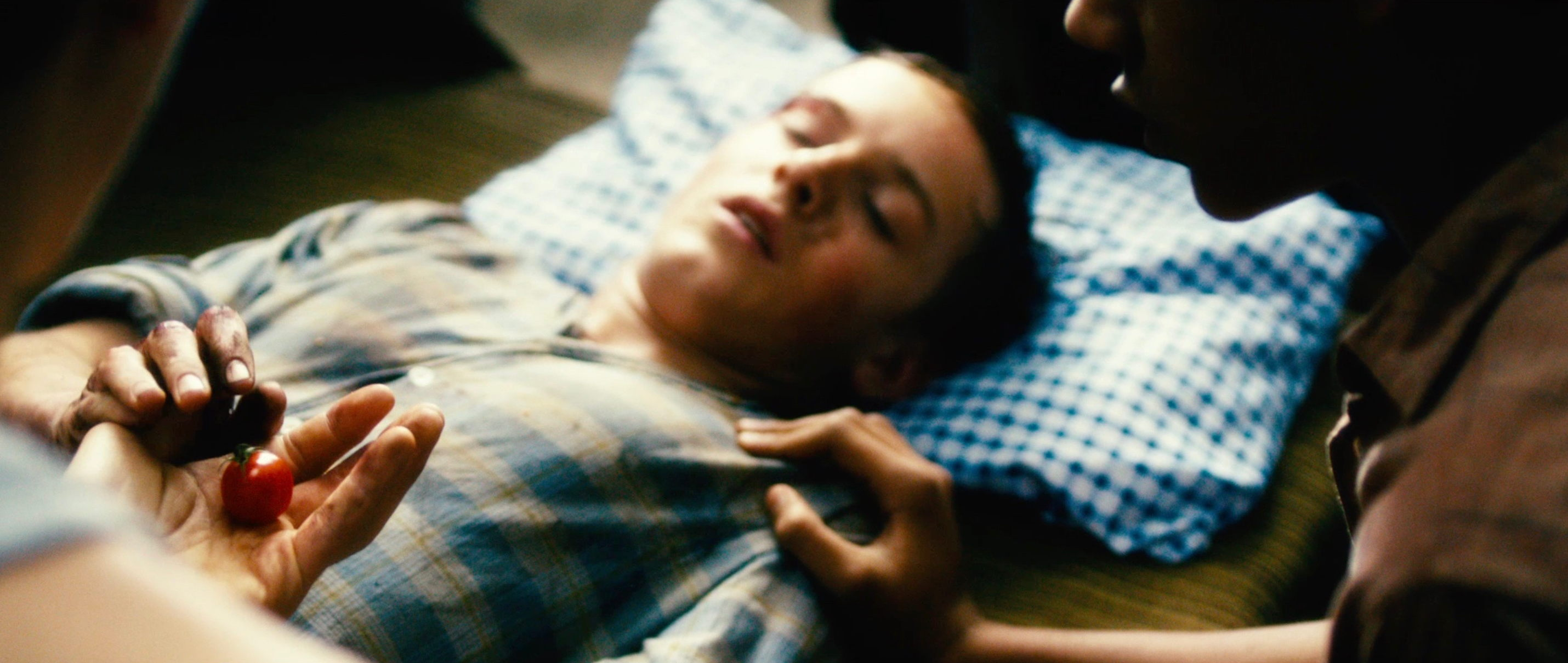 Freistatt Sanctuary - Wolfgang liegt brutal zusammen geschlagen im Bett - Regie Marc Brummund - Kamera Judith Kaufmann