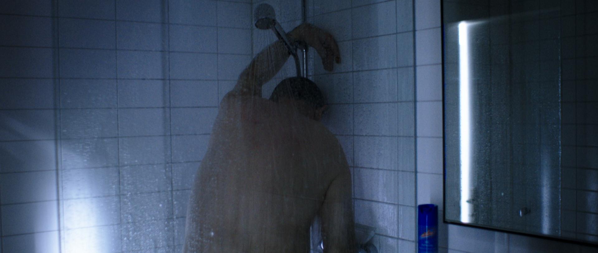 Traumland - Dreamland - in der Dusche - Regie Petra Volpe - Kamera Judith Kaufmann