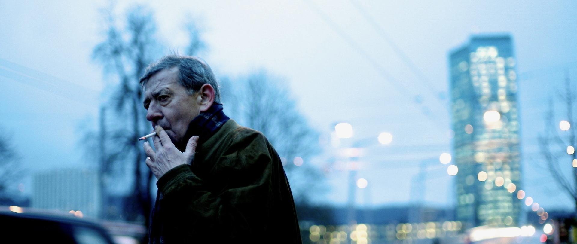 Traumland - Dreamland - Rolf (André Jung) im winterlichen Zürich - Regie Petra Volpe - Kamera Judith Kaufmann